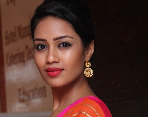The Talented actress Nivetha Pethuraj to play Bunny's sister
